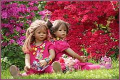 Tivi und Milina ... (Kindergartenkinder) Tags: grugapark essen kindergartenkinder blüte baum garten blume park frühling annette himstedt dolls azalee tivi milina kind