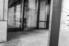 Shut the door! (_samush) Tags: canon760d canon 760d burgos ciudad city urbana ubu universidad edificio multiexposure double exposure longexposure largaexposición exposición múltiple doble arquitectura architecture blancoynegro blanchetnoite bn wb blackandwhite monochrome monocromo monochromatic