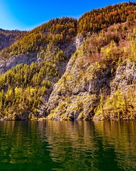 Königssee (colour mood) Tags: schiff boot water sea see wasser tourismus touristen berchtesgaden stein berge alpen königssee