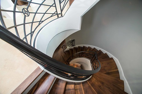 Andronx curved staircase.