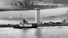 marzocco (stefanopiperno) Tags: torre livorno porto rimorchiatori mare venti marzocco ship monocromo bw rosadeiventi navi cloud canale banchina