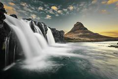 Kirkjufell Islande (EtienneR68) Tags: city colors landscape montagne bleu blue mountain nature waterfall cascade kirkjufell marque d810 nikon pays islande iceland