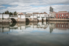 Portugal - Tavira (Rafael Zenon Wagner) Tags: nikon d810 sigma 35mm art portugal algarve spiegelung langzeitbelichtung nd graufilter himmel blau wolken wasser fluss rot weis brücke reflection longexposure le sky blue clouds water river red white bridge stadt city