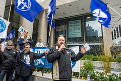 20170428_USW_Solidarity_Demonstration_Toronto_527.jpg (United Steelworkers - Metallos) Tags: manifestation demonstration usw d5 metallos union district5 syndicat glencore cezinc demo stockexchange toronto canlab