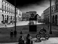 Urban Life (drugodragodiego) Tags: brescia lombardia italy piazzadellavittoria square art events mimmopaladino architecture blackandwhite blackwhite bw biancoenero pentax pentaxk1 k1 hdpentaxdfa2470mm hdpentaxdfa2470mmf28edsdmwr pentaxiani