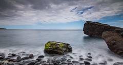 Roca y seda (Fitosky) Tags: clouds sea rocks nd1000 tokina1116f28 eos750d canon longexposure