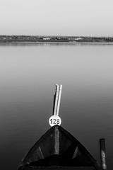 128 (Luca Maresca) Tags: alba barche gargano lagodilesina lake lesina puglia
