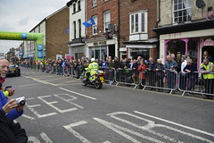 Tour De Yorkshire Stage 2 (730) (rs1979) Tags: tourdeyorkshire yorkshire cyclerace cycling policemotorbike policemotorbikes tourdeyorkshire2017 tourdeyorkshire2017stage2 stage2 knaresborough harrogate nidderdale niddgorge northyorkshire highstreet