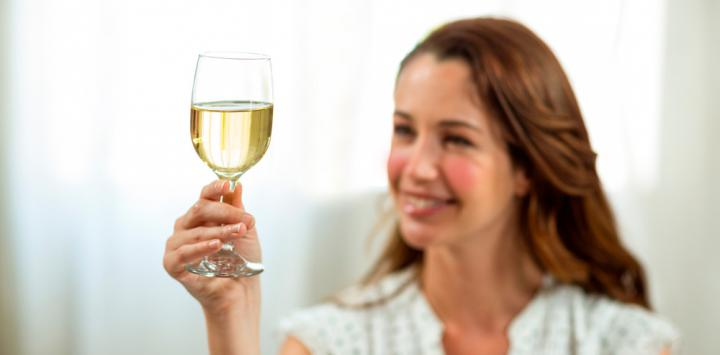 Take white wine increases the risk rosacea in women