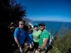 Kaui 256 G0084078 (cpburt) Tags: kauai hawaii napalicoast kalalautrail vista hikers