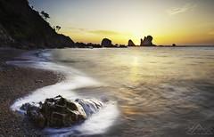 UN SILENCIO DE LO MÁS MEDITERRÁNEO (Anderony) Tags: playadelsilencio asturias seascape paisaje atardecer sunset canon