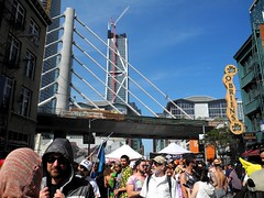 how weird street faire, 2017. (citymaus) Tags: howweird 2017 streets street streetfest streetfestival streetfair faire fair howard 2nd soma sf sanfrancisco bridge construction transbay bridges
