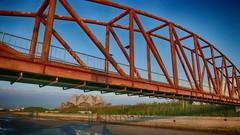 大安濱海樂園 Da'an District Seaside Paradise (rightway20150101) Tags: beach 大安濱海樂園 台中 taichung 台灣 大安 landscape 風景 鋼構橋 steelˍbridge bridge seaside 自然 nature 天空 sky 藍色 blue daanˍdistrict 紅色 red taiwan