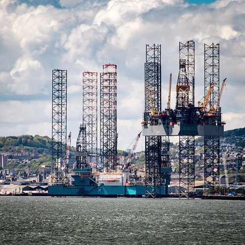 #oilplatforms in the #harbour of #Dundee as seen from #BroughtyFerry #Scotland - River #Tay