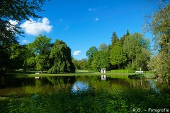 Und es war Sommer... / And it was summer... (R.O. - Fotografie) Tags: sommer summer landschaft landscape natur nature blauer himmel lake see pond blue sky panasonic lumix dmcfz1000 dmc fz1000 fz 1000 wolken clouds bäume trees rofotografie bad driburg nrw deutschland