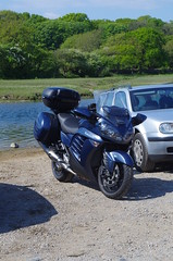 Ogmore Castle [6] (Rynglieder) Tags: ogmore castle wales glamorgan motorcycle moto kawasaki gtr1400 zg1400 concours