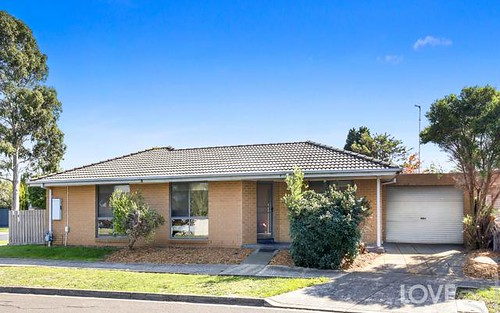 1/24 Hawkes Dr, Mill Park VIC 3082