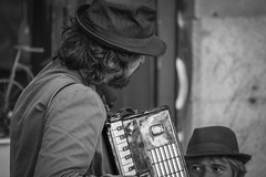 Tango (ithyrsus) Tags: nikon d5200 photoshop calle street músicos music musicians música streetmusicians streetperformers rastro urbanlife madrid spain spanien españa espagne espagna espanha hispanio livemusic