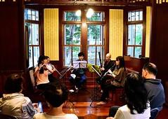 「洋館に響くアンサンブル(先週日曜撮影) ~市川市真間・木内ギャラリー」 Chamber Music Concert in Kiuchi Gallery (Taken Last Sunday) Location: Mama,Ichikawa city,Chiba,Japan  こんばんは。 こないだの日曜、須和田公園と里見公園でバラを見た合間には、真間の木内ギャラリーで木管楽器のアンサンブルコンサートがあったので行ってみました。  このコンサートは市川市主催のオープンガーデンイベント「まちな