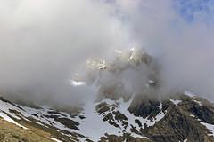 niebla en Pirineos. (Luis Mª) Tags: montaña pirineos nieve niebla nubes paisaje afiiae