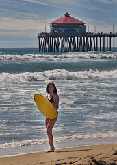 skim E (mattleof) Tags: sony rx100 m4 mattfredrickson fredrickson city photo photos photography light orange orangecounty california ca photographer mattleof skimboarding yellow sand huntington beach