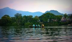 NEPAL, In Pokhara, Schlechtes Wetter am Phewa-See, 16057 (roba66) Tags: phewalakefewalake lakesee reisen travel explore voyages roba66 visit urlaub nepal asien asia südasien pokhara landschaft landscape paisaje nature natur naturalezza boot boat ship water wasser