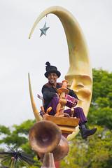Mickey's Soundsational Parade (jodykatin) Tags: mickeyssoundsationalparade soundsational disneyland concertina chimneysweep