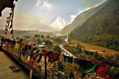 NEPAL, Rund um Pokhara, Kloster im Phewa Tal, 16076/8347 (roba66) Tags: kloster textur texture effecte gebetsfahnen reisen travel explore voyages roba66 visit urlaub nepal asien asia südasien pokhara landschaft landscape paisaje nature natur naturalezza view tal valley ausblick