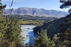 Neuseeland von seiner besten Seite, Gletscherfluss, Wälder und Berge.