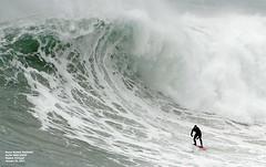 FRED DAVID / 4304NAZ (Rafael González de Riancho (Lunada) / Rafa Rianch) Tags: surf waves surfing olas sport deportes sea mer mar nazaré vagues ondas portugal playa beach 海の沿岸をサーフィンスポーツ 自然 海 ポルトガル heʻe nalu palena moana haʻuki kai olahraga laut pantai alam