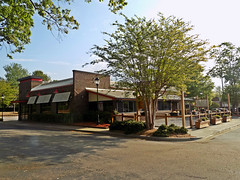Vacant restaurant of Cary, NC (NCMike1981) Tags: applebees hurricanegrillwings restaurant vacant abandoned cary carync nc northcarolina