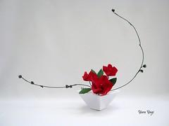 Balance (Yara Yagi) Tags: origami paper papel flower flor pentágono pentagon
