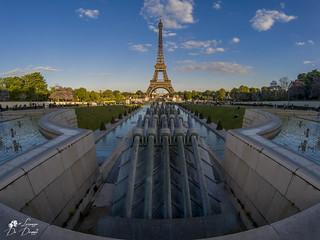 La Tour Eiffel è un monumento della follia dell'uomo e non della sua saggezza. È il giocattolo dell'esposizione dove ogni uno ne subisce l'influenza.