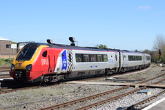 221106 @ Chester (ianjpoole) Tags: virgin trains 221106 willem barents 221113 sir walter raleigh working 1d86 london euston chester