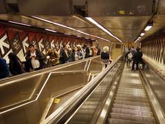Subway Station (52er Bild) Tags: subway escalator rolltreppe new york metro station pentax q10 udosteinkamp people leute manhattan