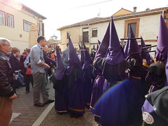 1391 (amgirl) Tags: mansilladelasmulas maundythursday april13 2017 day15 semanasanta holyweek spain meseta abril april caminodesantiago procession juevessanto