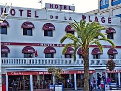 Beach Hotel (И!CØLΔS) Tags: hotel beach southoffrance palm tree holydays travel
