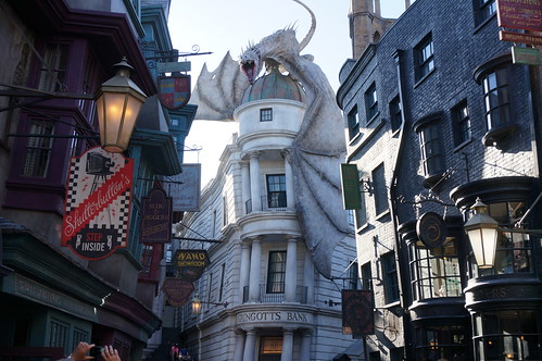 """Universal Studios, Florida: Diagon Alley • <a style=""""font-size:0.8em;"""" href=""""http://www.flickr.com/photos/28558260@N04/34709982856/"""" target=""""_blank"""">View on Flickr</a>"""