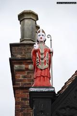 Beverley - East Yorkshire (SteveH1972) Tags: beverley eastyorkshire england northernengland britain canon7d canonef70200mmf28lusm canon70200 70200 canon yorkshire 2017 uk europe red building