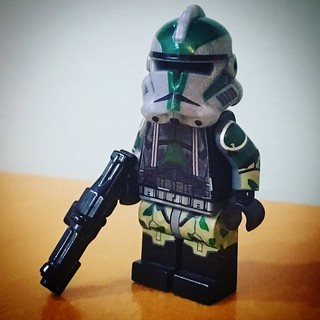 Minifig-a-Day #262: Commander Gree