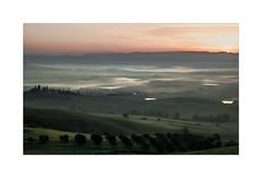 The Awakening Of The Valley (W.Utsch) Tags: toscana tuscany morning sunrise fog nebel nebbia italia landscape landschaft mediumformat leica 3090s orcia valdorcia toskana