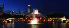 Buckingham Fountain in Chicago (Wes Gibson) Tags: northamerica photowalk chicago grantpark illinois peakdesign unitedstates buckinghamfountain places treyratcliff