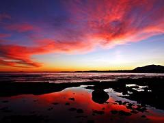 Anocheciendo en la costa (Antonio Chacon) Tags: andalucia atardecer marbella málaga mar mediterráneo costadelsol cielo españa spain sunset puestadesol nubes nature naturaleza paisaje agua orilla