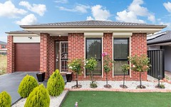 32 Ventasso Street, Clyde North VIC