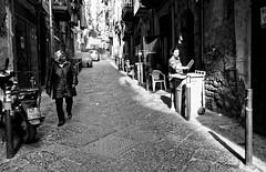 """Dans les """"bassi"""" napolitains n'existent pas des différences des races...- Toledo- (Paolo Pizzimenti) Tags: naplesbassi couleurs race différence italie paolo olympus zuiko penf 12mm f2 argentique film pellicule mirrorless m43 dosineau"""