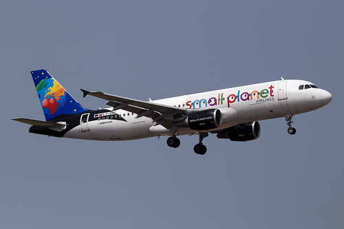 Small Planet Airlines_A320_LY-ONL_partial Arfiquia cs_ACE_20170417_Approach_sun_0497_Colormailer_Flickr