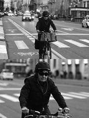 [La Mia Città][Pedala] (Urca) Tags: milano italia 2017 bicicletta pedalare ciclista ritrattostradale portrait dittico bike bicycle biancoenero blackandwhite bn bw 993130 nikondigitale scéta