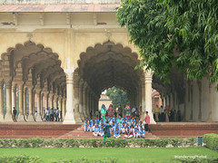 School group photo - Diwan-i-Aam Audience Hall - Agra Fort - Agra Uttar Pradesh India (WanderingPhotosPJB) Tags: flickruploaded india uttarpradesh agra agrafort redfort mughal