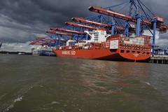 San Clemente container vessel, Burchardkai Hamburg (Pim Stouten) Tags: jork nordlichtertreffen jag jaguar boot schip containers hamburg haven hafen