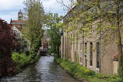Canal de Brujas (anvaliri) Tags: brujas bruges brugges bélgica belgium ciudad city calle street canon 1585 canal water agua